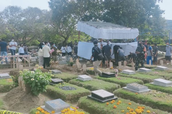 Ngeri, Kuburan Mahasiswi Unram Dibongkar