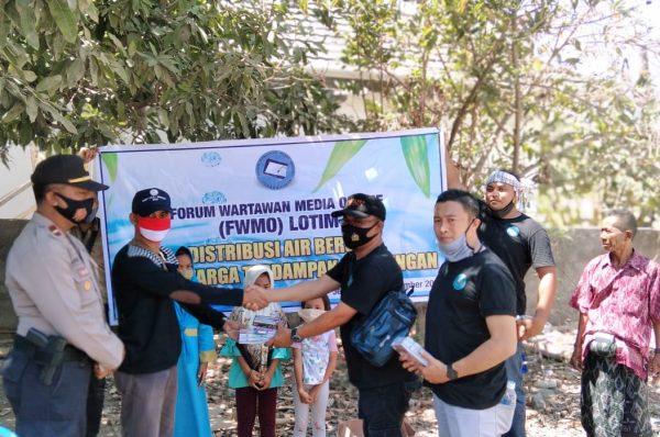 FWMO Distribusikan 12 Tangki Air Bersih