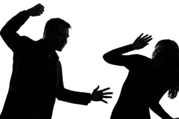 F Ilustrasi kekerasan
