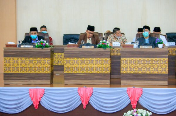 DPRD Loteng Umumkan Akhir Masa Jabatan Suhaili-Pathul