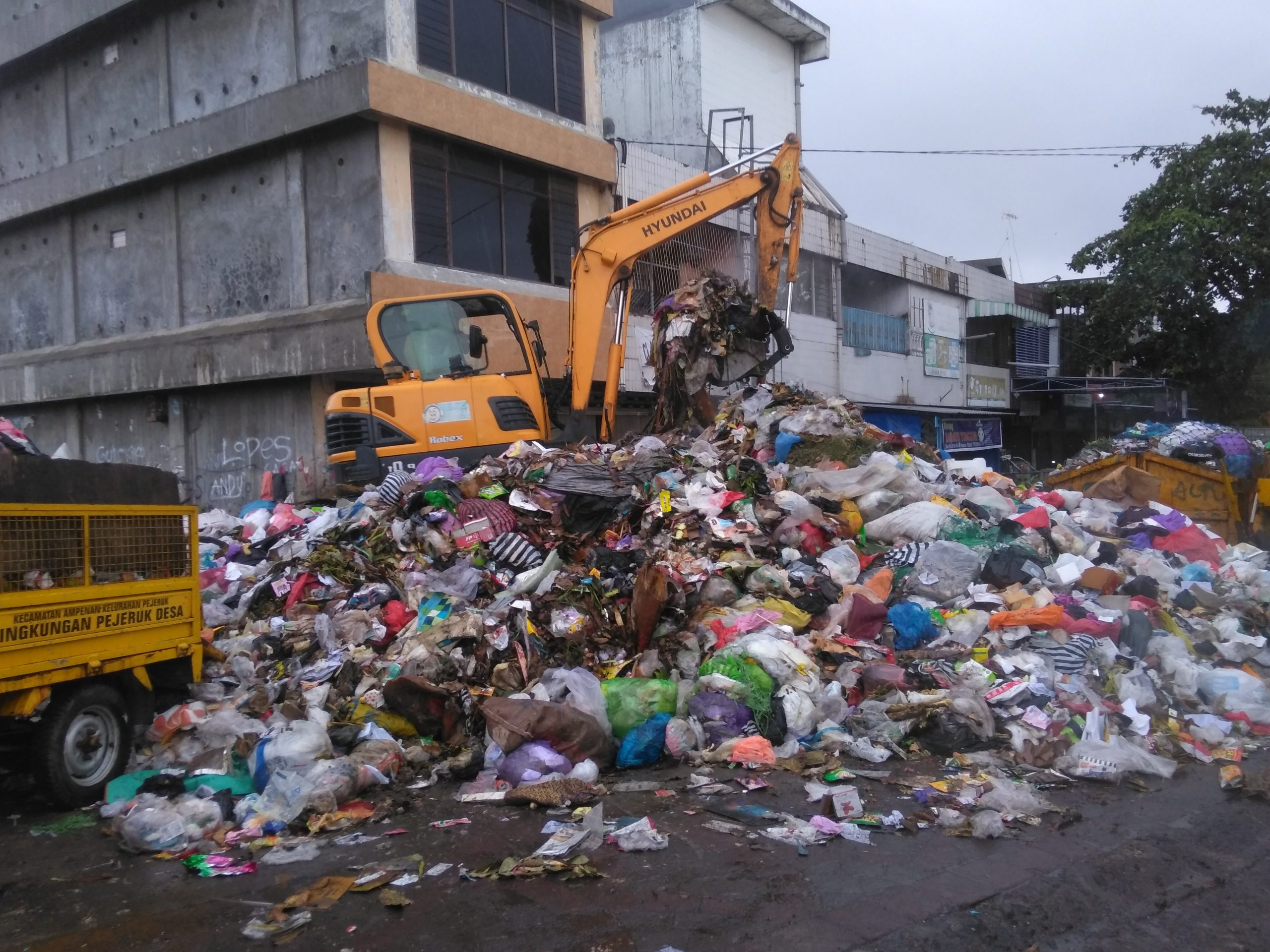 F AAA Sampah scaled