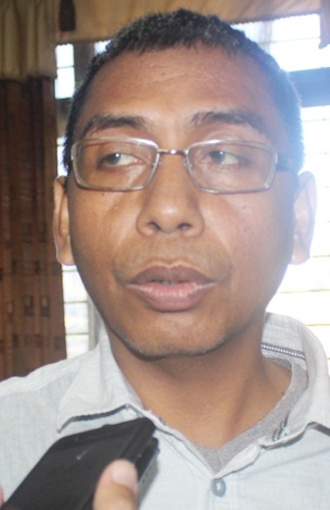 F Ketua komisi III DPRD NTB