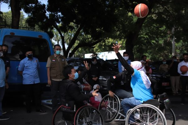 Dukung Basket Lombok Difabel, Gubernur Berikan Kursi Roda