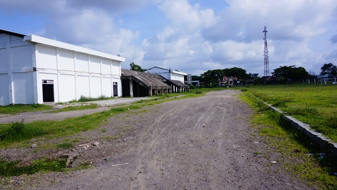 F Lapangan Bundar