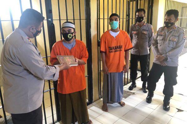 Berikan Alquran, Tahanan Diajak Taubat