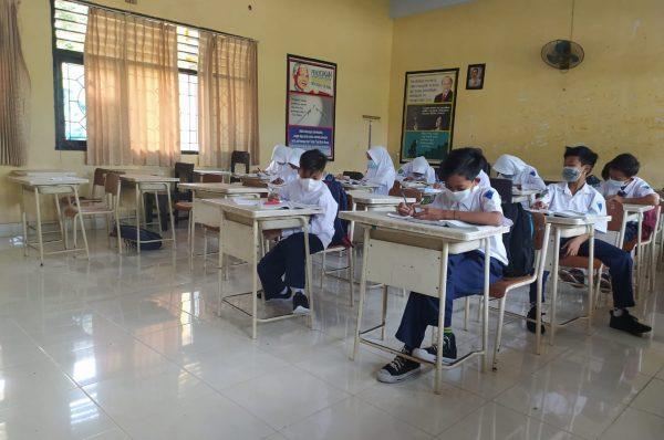 Insentif Guru Tidak Tetap di Loteng Nambah 100 Ribu