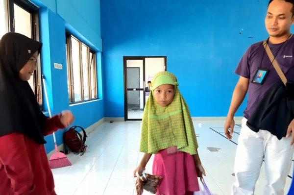 Cerita Putri dan Fitri, Pedagang Keliling