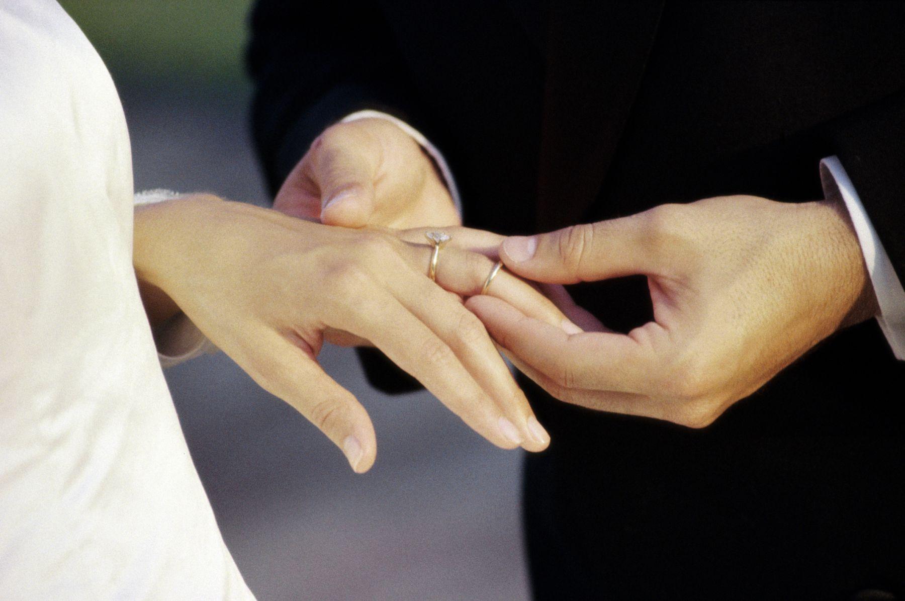 F ilustrasi pernikahan 1
