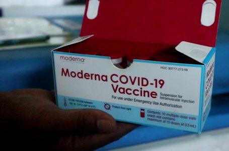 IST/RADARMANDALIKA.ID CEK: Ini salah satu dosis vaksin yang sudah tiba di Lombok Tengah, Rabu kemarin.