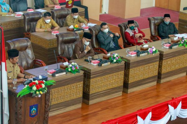 Bupati Pathul Bahri Jawab Pandangan Umum Fraksi-Fraksi